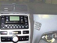 70272 Dash Mount Toyota Avensis Verso 02-Toyota Sportsvan 04
